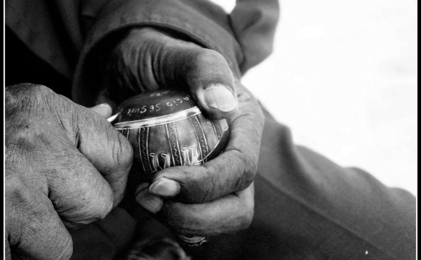 Entre la mano izquierda y los dedos ejercicios – Poemas de Paulo HenriquesBritto